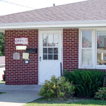 Elaine Kramer Country Court - mobile home park in Prairie Du