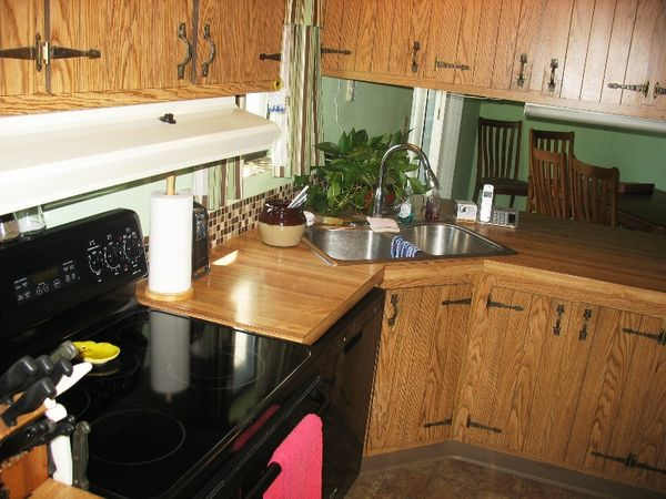 1985 Commodore (TRJMCPP27826) - Mobile Homes for Sale in Troutdale, on franklin mobile homes, double wide mobile homes, triple wide mobile homes, freedom mobile homes, champion mobile homes, clark mobile homes, fleetwood mobile homes,