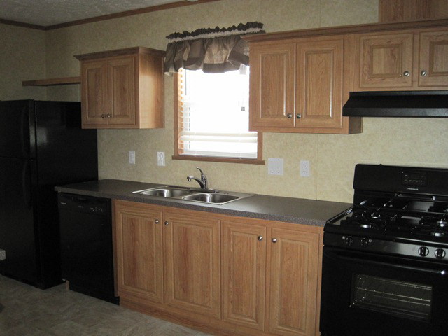2013 Redman - mobile home for rent in Grand Haven, MI 569176