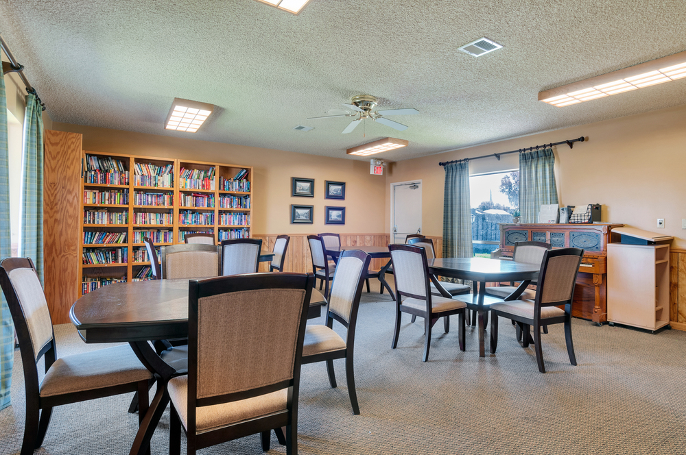mobile home park in Riverside, CA: King Arthur Estates 34751