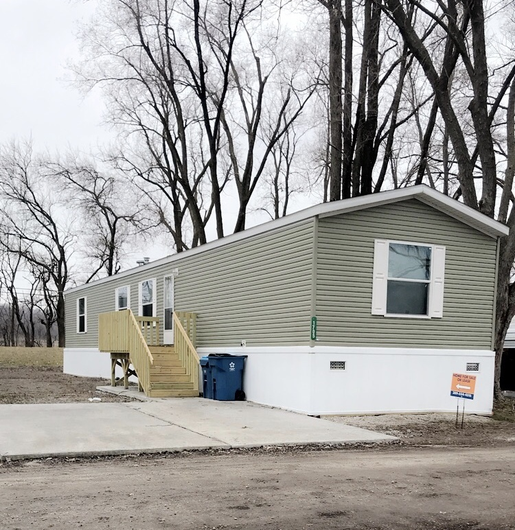 Mobile Home For Sale In Coal Valley, IL: BRAND NEW 3