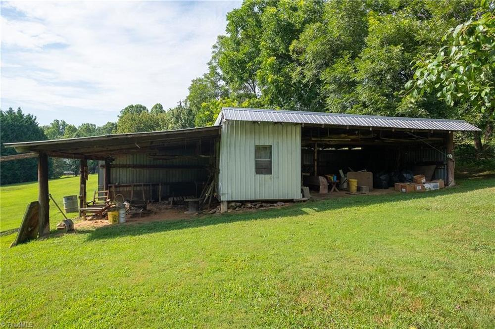 Double-Wide, Manufactured - Germanton, NC - mobile home for sale in