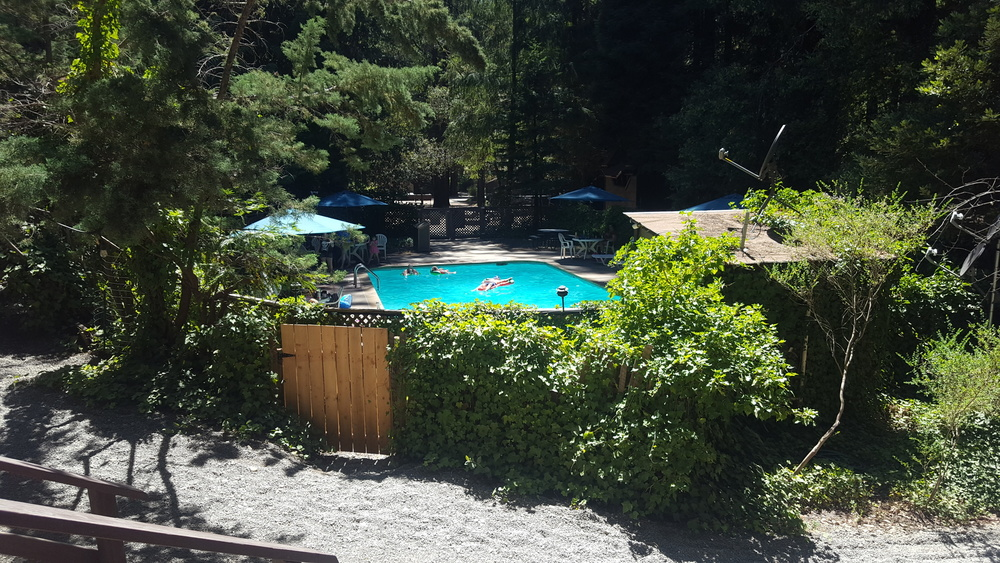 Redwoods River Resort & Pub