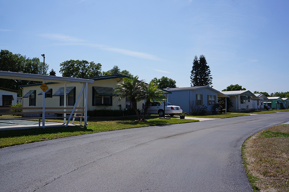 Kings and Queens - mobile home park in Lakeland, FL 476850 on homes in indialantic fl, homes in kingman az, homes in st petersburg fl, homes in panama city beach fl, homes in titusville fl, homes in kingsport tn, homes in margate fl, homes in jupiter fl, homes in stuart fl, homes in sunrise fl, homes in geneva fl, homes clearwater fl, homes in port st lucie fl, homes in santa rosa beach fl, homes in lutz fl, homes in big pine key fl, homes in green cove springs fl, homes in marathon fl, homes in largo fl, homes in ocala fl,