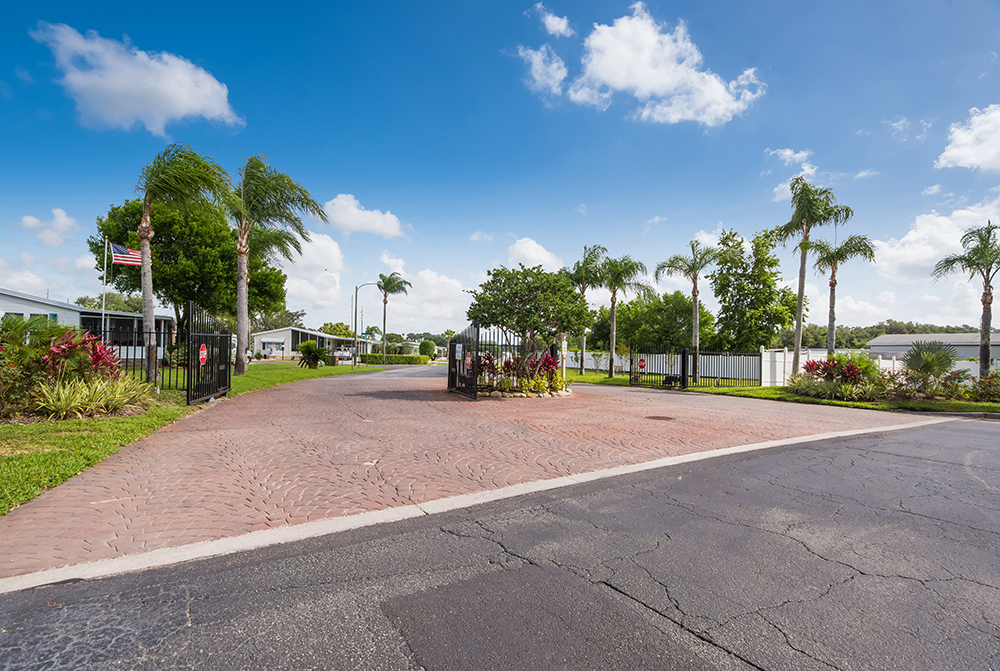 Crystal Lake - mobile home park in Zephyrhills, FL 480927