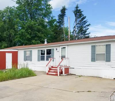 Affordable Mobile Home in Southington, OH