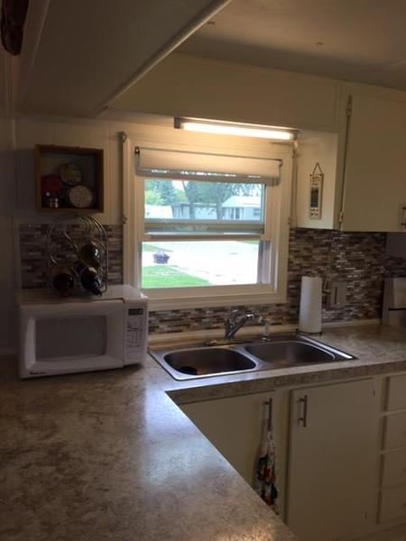 Queen Bed In 10x10 Room: Mobile Home For Sale In Lexington, MI: North Shore Mobile