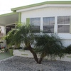 Mobile Home for Sale: 2 Bed/2 Bath With Modern Eat In Kitchen, Venice, FL