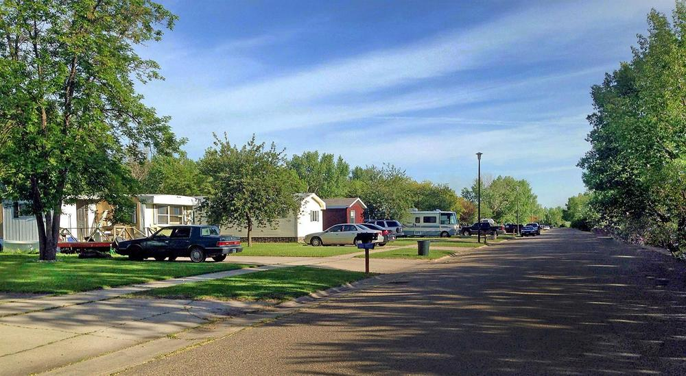 Awe Inspiring Mobile Home Park In Grafton Nd Grafton Mhp Directory 788921 Home Interior And Landscaping Ferensignezvosmurscom