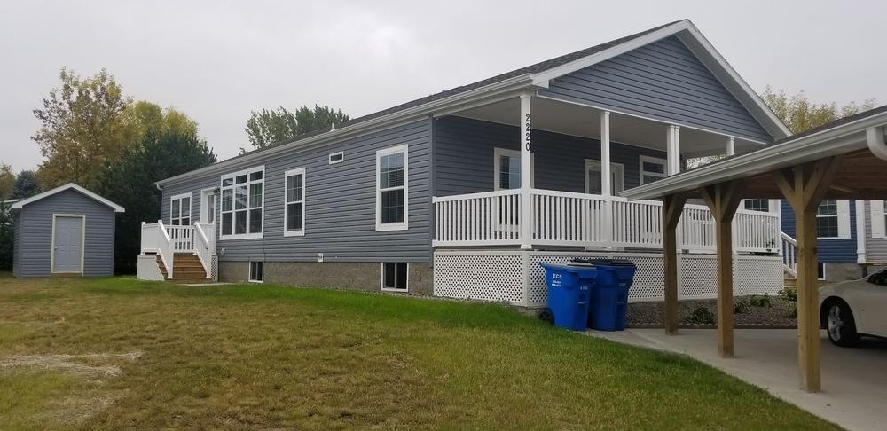 Pine Village - mobile home park in Cambridge, MN 64621