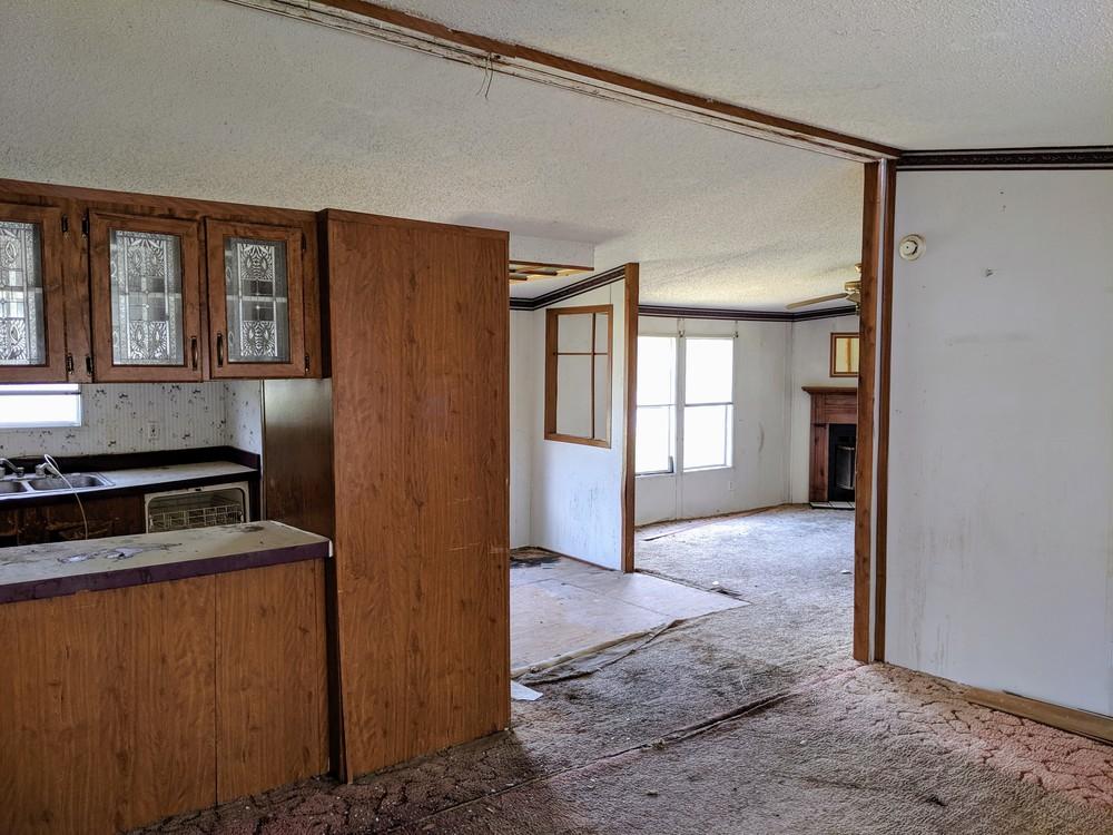 4 BEDROOM HANDYMAN SPECIAL, NO CREDIT CHECK - mobile home