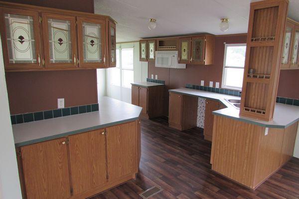 1997 Oakwood Wind Zone II Double Wide - mobile home for sale in