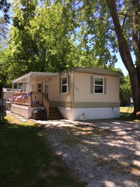 North Shore Mobile Home Park, Lot 204 - mobile home for sale in