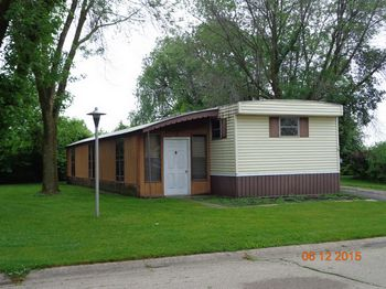 Mobile Homes for Sale in Wisconsin - Expired - Showing from low to on fairmont mobile home, wisconsin mobile home, dutch mobile home, tidwell mobile home, skyline mobile home, marshfield mobile home, rollo mobile home, schult mobile home, liberty mobile home, friendship mobile home,