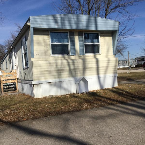 Sunset Village Apartments: Mobile Home Park For Sale In Hiawatha, IA