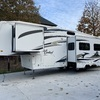 RV for Sale: 2008 CARDINAL 33LE