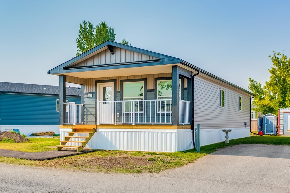 Amazing Calgary Village Mobile Home Park In Calgary Ab 1021563 Download Free Architecture Designs Scobabritishbridgeorg