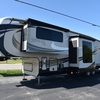 RV for Sale: 2015 PINNACLE 38FLFS
