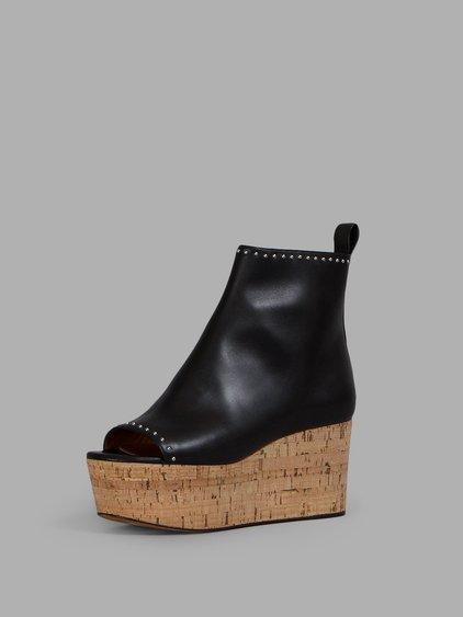 Elegant Line Wedge Ankle Boots