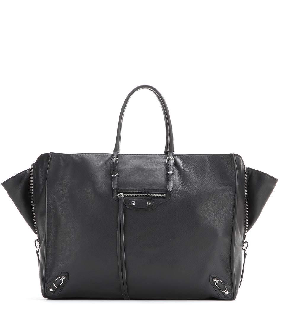 Papier A4 Zip-Around leather shoulder bag