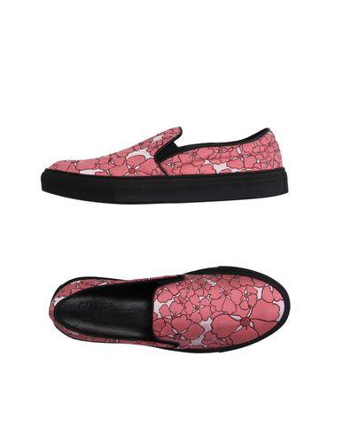 Floral Print Slip-On Skate Sneakers