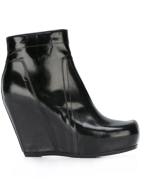 CLASSIC LEATHER WEDGE PLATFORM BOOTIES