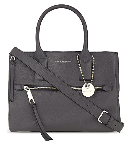 Recruit East West leather tote