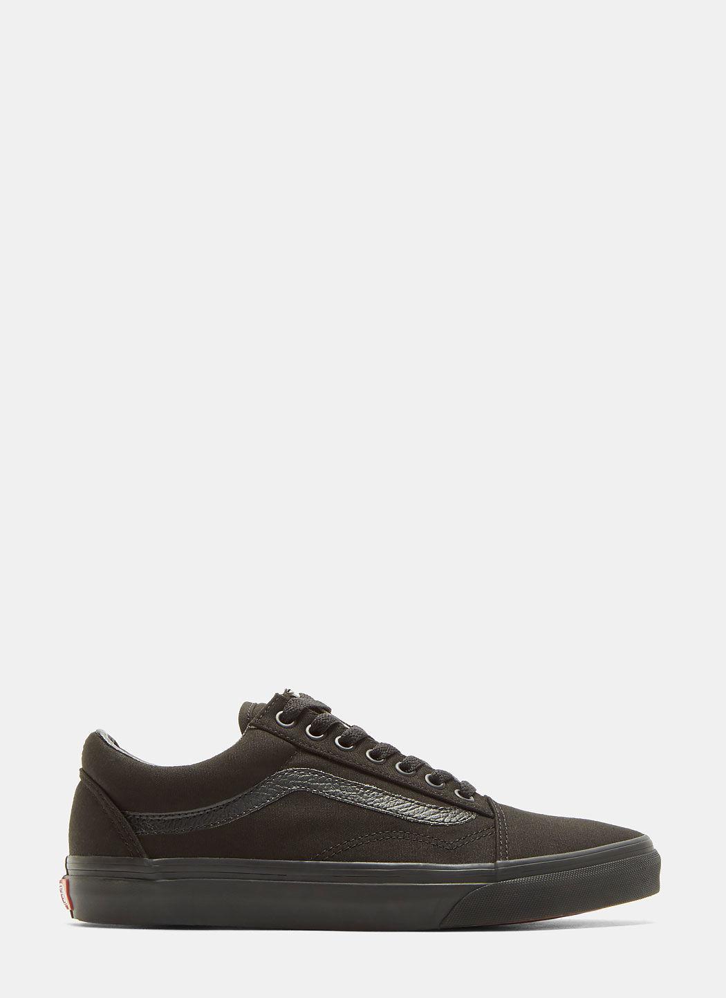 Unisex Classic Old Skool Sneakers in Black