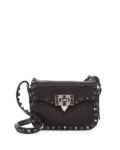 ROCKSTUD ROLLING NOIR MEDIUM SHOULDER BAG, BLACK