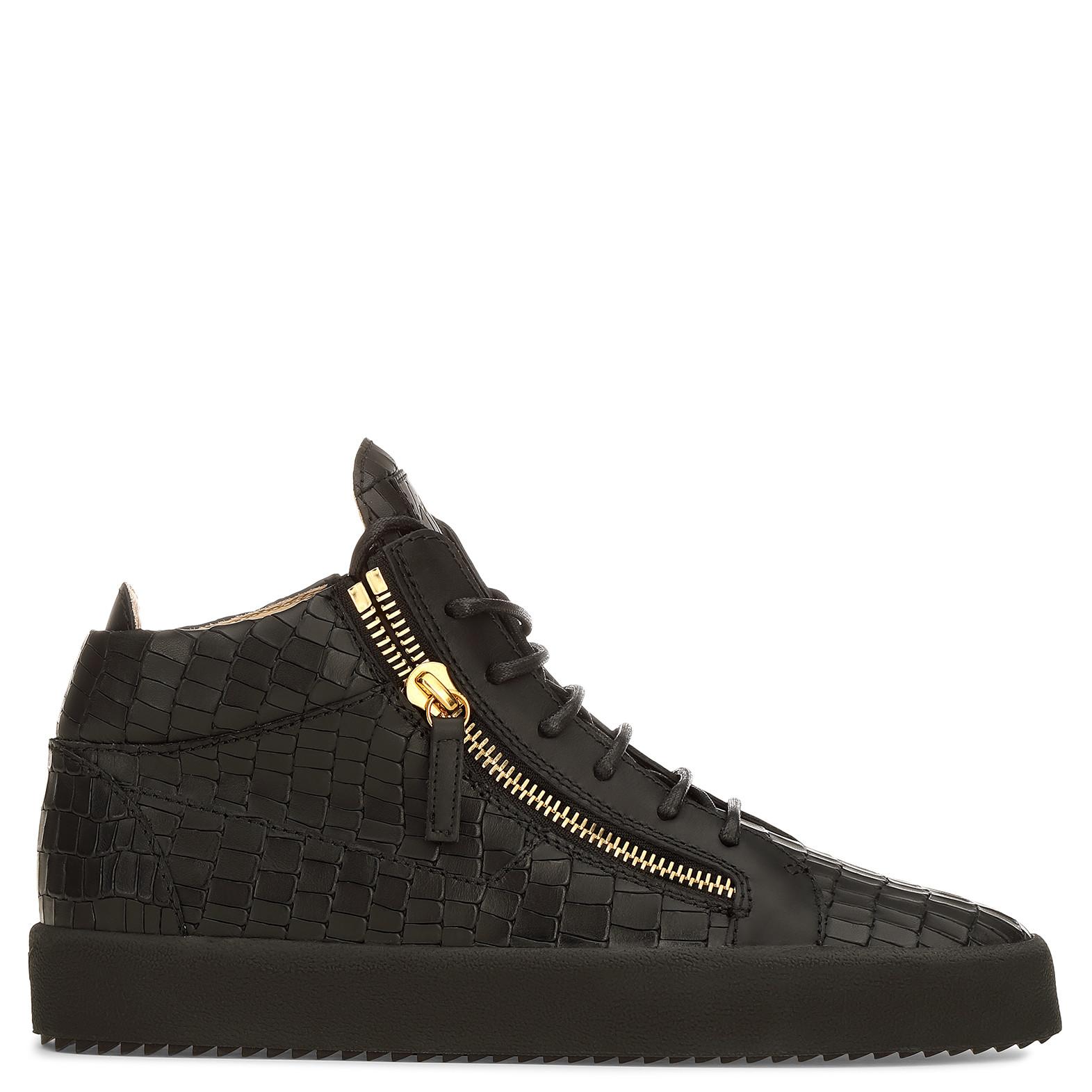 Giuseppe ZanottiCrocodile-embossed leather low-top sneaker KRISS cirZqWoQ7f