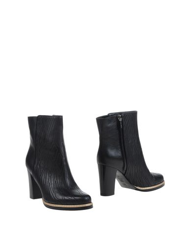 Escada Leathers Ankle boot