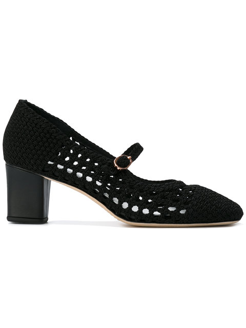 knitted pointed pumps