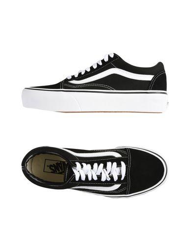 Classic Old Skool Sneakers in Black