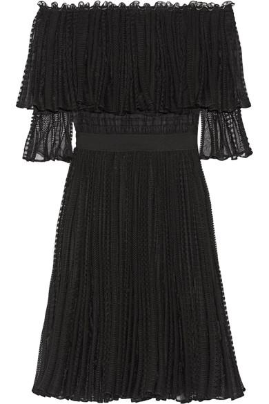 Alexander Mcqueen Silks Off-the-shoulder ruffled knitted dress