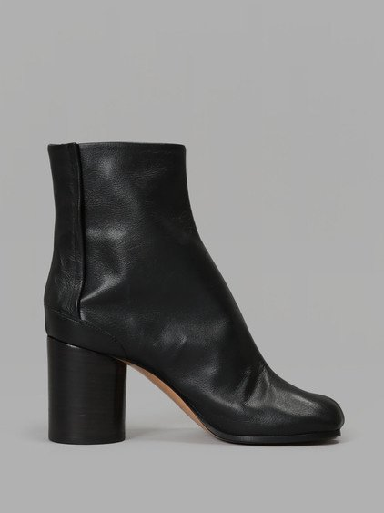 MAISON MARTIN MARGIELA Maison Margiela Embossed Leather Booties In Black.  in Navy