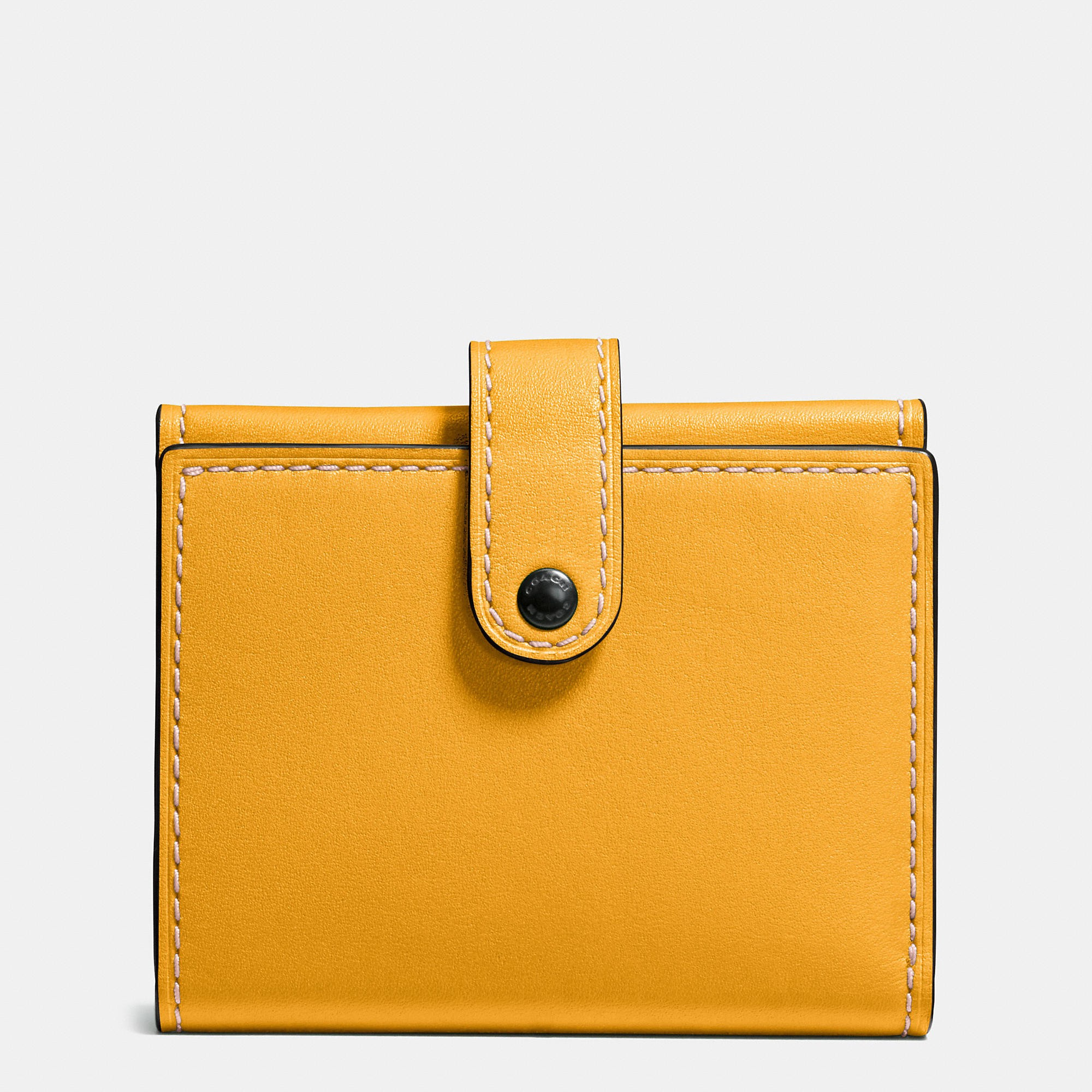 Coach Wallets SMALL trifold wallet in glovetanned leather