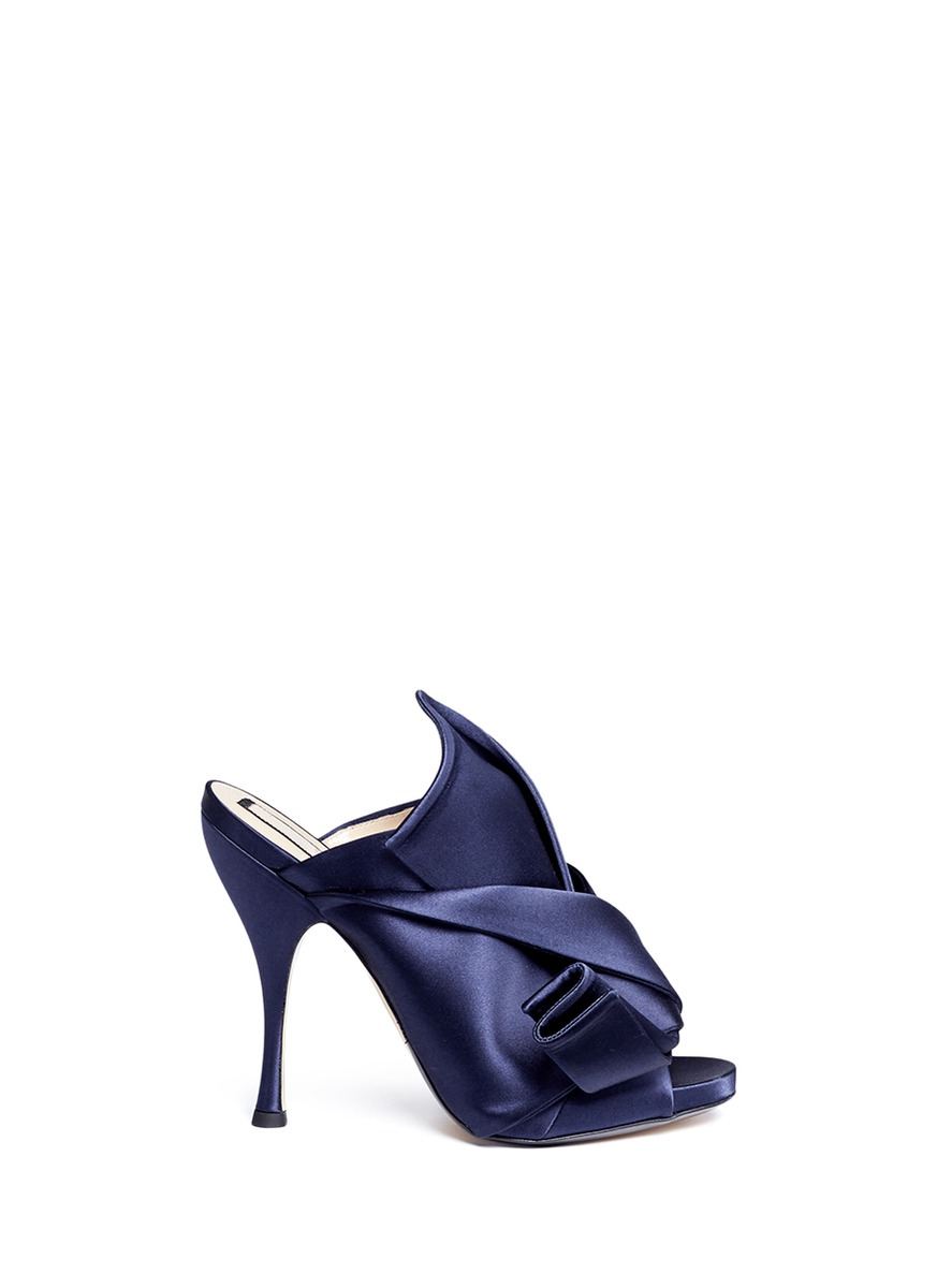 N°21  Bow satin mules