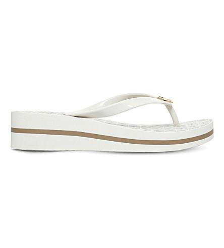 Bedford flip flops