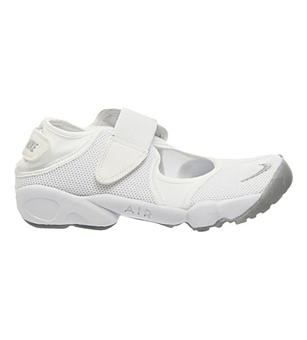 NIKE Air Rift Mesh Trainers, White Wolf Grey