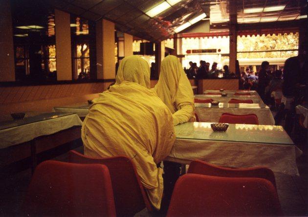 2 ding yi  qin yifeng  zhang guoliang cloth sculptures %e2%85%a1 1986 performance 001 hi res