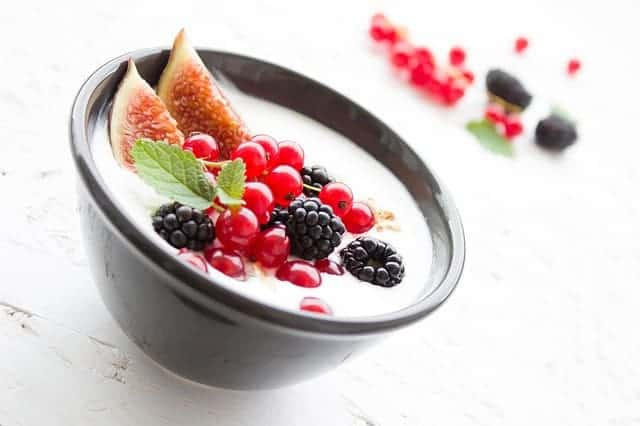 yogurt for toddlers as a healthy snack