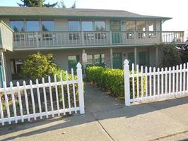 Preschool-in-auburn-green-river-montessori-brick-house-f56bc3c9063b-normal