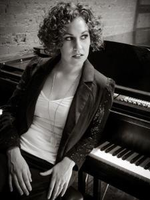 Tutor-in-los-angeles-leah-e-offers-spanish-lessons-piano-lessons-and-voice-music-lessons-491e4989818f-normal