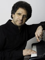 Tutor-in-new-york-randy-k-offers-piano-lessons-82f041bb1a94-normal