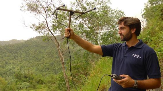 Campos-Arceiz radio-tracking elephants in Belum-Temengor Forest Complex, Malaysia. Photo courtesy of Ahimsa Campos-Arceiz.