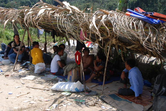 Over 300 Penan people are living in makeshift shelters as they blockade roads to the Murum dam construction site. Photo courtesy of Sarawak Conservation Alliance for Natural Environment (SCANE).
