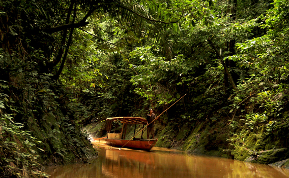 Navigating a tributary of the Las Piedras. Photo by: Gowri Varanashi.