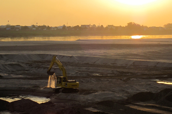 Large construction project on the Mekong in Lao PDR 2010. Photo courtesy of FISHBIO.