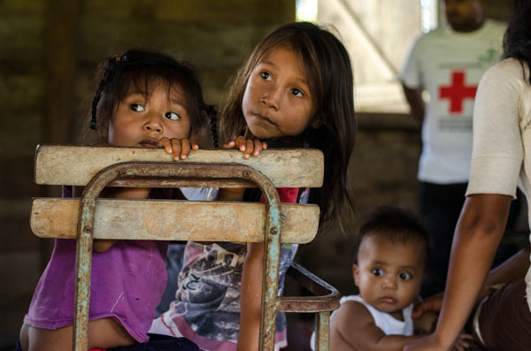 Children in Bangkukuk. Photo courtesy of Tom Miller.