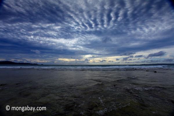 Sunset on the ocean-side coastline of Peucang Island [java_0080]